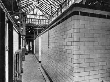 Passage in cottage baths